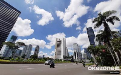 Jalanan Jakarta Lengang Selama PSBB Total