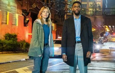 Demi Sienna Miller, Chadwick Boseman Pangkas Honor dalam Film 21 Bridges