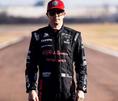 Seperti Valentino Rossi, Raikkonen Juga Masih Mau Jalani Balapan di F1
