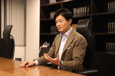 Taichiro Motoe, Pengacara Jadi Miliarder Dunia Berkat Bisnis Tanda Tangan