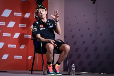 Kontrak Rossi Dibahas hingga Larut Malam di Tavullia