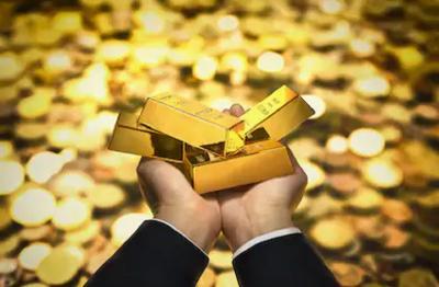 Harga Emas Ambil Untung dari Kejatuhan Wall Street