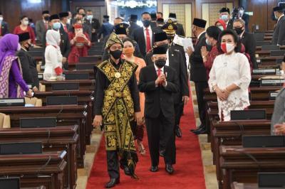 1 Tahun Jokowi-Ma'ruf, RI Akan Jadi Raja Baterai dan Produsen Mobil Listrik Dunia