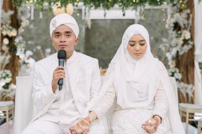 Emas Batangan, Souvenir Pernikahan Taqy Malik