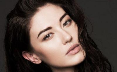 Kulit Kamu Berminyak, Coba 4 Tips Makeup Ini Yuk