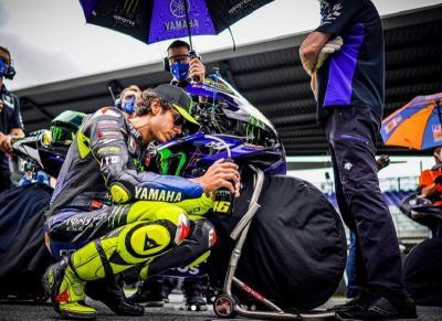Stoner: Valentino Rossi Kini Terlihat Menyedihkan