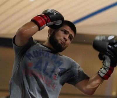 Presiden UFC Nilai Duel Khabib vs Gaethje Bisa Jadi Pertarungan Terbesar