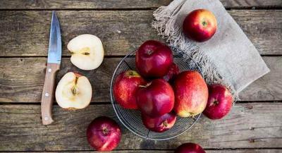 Makan Apel Tiap Hari Bisa Kurangi Risiko Serangan Jantung dan Stroke hingga 12%