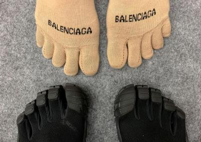 Sepatu Terbaru Balenciaga Usung Model Jari Kaki
