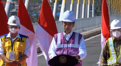 Resmikan Jembatan Teluk Kendari, Jokowi: Lahirkan Sentra Ekonomi Baru