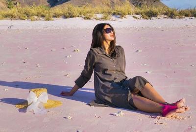 Cantiknya Paula Verhoeven Bergaya di Kapal Pinisi Bareng Kiano