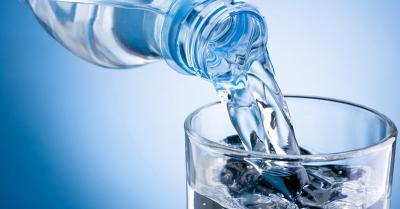 8 Manfaat Minum Air Putih Setelah Bangun Tidur