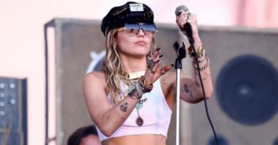 November, Miley Cyrus Siap Rilis Album Plastic Hearts: I 'Found Myself'