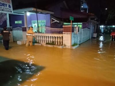 Bogor Diguyur Hujan Deras, Ratusan Rumah Terendam Banjir & Longsor