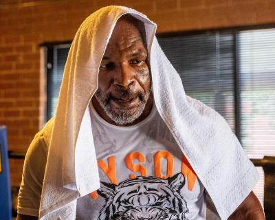 Video Salat Berjamaah Viral, Ini Cerita Mike Tyson soal Doanya yang Terkabul