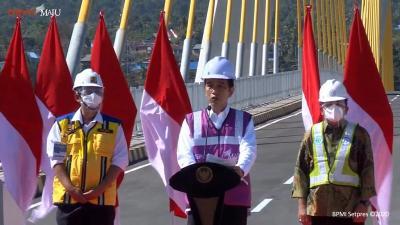 5 Fakta Manfaatnya Jembatan Teluk Kendari dan Landmark Makassar