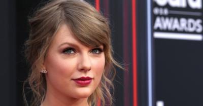 Terjual Lebih dari 1 Juta Copy, Album Taylor Swift Cetak Rekor Baru