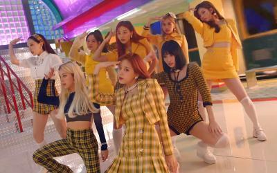 TWICE Resmi Comeback dengan MV Bergaya Retro I Can't Stop Me