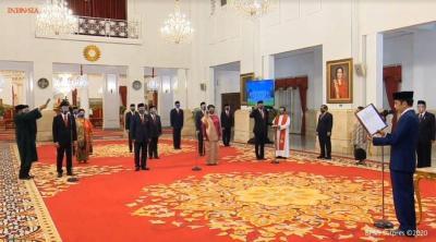 Presiden Jokowi Lantik 12 Duta Besar Luar Biasa RI