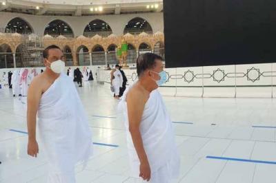 Usai dari Vatikan & Riyadh, Jusuf Kalla Umrah
