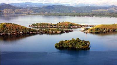 Benarkah Ada Putri Duyung di Danau Sentani?