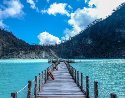 Danau Kawah Putih, Wisata Alam Eksotis nan Legendaris di Bandung