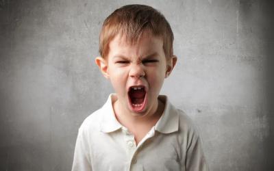 6 Cara Efektif untuk Menghadapi Anak yang Suka Bertengkar