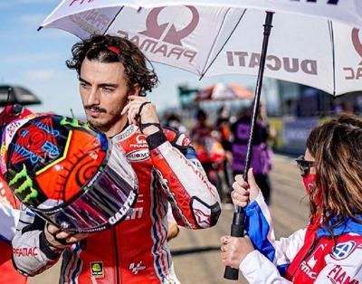 Gagal Finis di MotoGP Teruel 2020, Bagnaia Luapkan Kekecewaan
