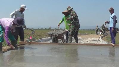 Membuka Asa Wisata Pantai Pening, Kampung Terisolasi Sejak Zaman Belanda