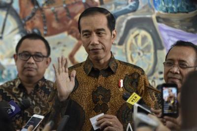 Presiden Jokowi Kaget Pemberian Sepeda Lipat Berbuntut Panjang