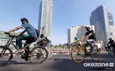 Pesepeda di Kota Bogota Selalu Terancam Ditabrak Pengendara Lain