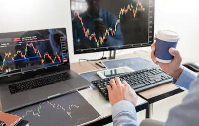 Pilih Buka Usaha atau Investasi Saham, Mana yang Lebih Menguntungkan?
