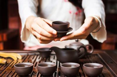 Green Tea dan Teh Hitam, Mana yang Lebih Baik?