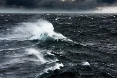 Waspada, Gelombang Setinggi 6 Meter Berpotensi Melanda Perairan Indonesia