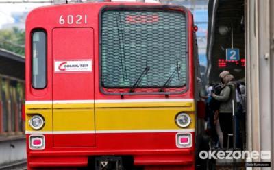 KRL Bekasi-Jakarta Kota Anjlok Dekat Stasiun Kampung Bandan