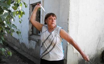 Kisah Wanita Pelempar Pisau Terbaik Dunia yang Kini Hidup Susah