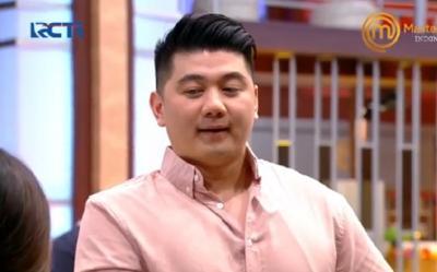 Viral! Chef Arnold Joget ala JKT48 di Depan Yuri MasterChef