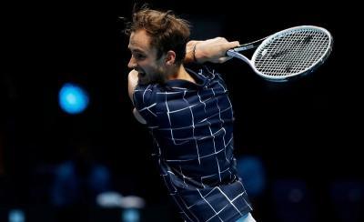 Novak Djokovic Kalah, Daniil Medvedev Lolos ke Semifinal ATP Finals