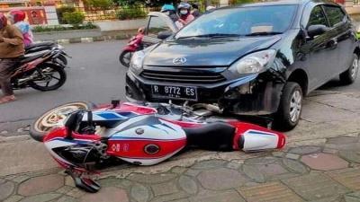 Pemilik Ayla Tawarkan Mobil dan Rumah untuk CBR 1000RR SP yang Ditabrak
