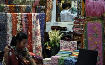 Kisah-Kisah Unik di Balik 7 Desain Batik Terkenal Indonesia