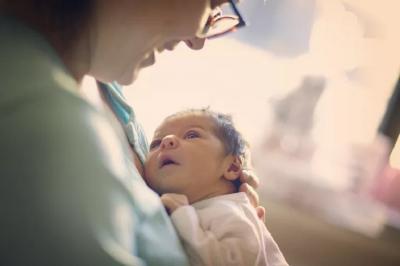 54 Daftar Peralatan Bayi Baru Lahir yang Harus Disiapkan