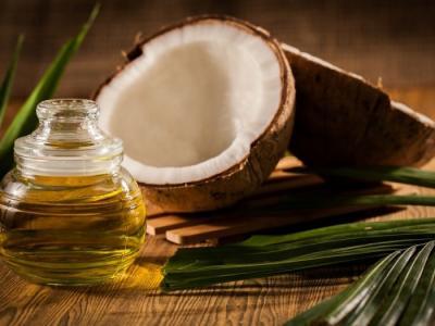 Khasiat Minyak Kelapa untuk Perawatan Kuku hingga Rambut