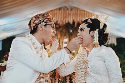 Panjangnya Susunan Pernikahan Adat Jawa, Bisa Sampai Berhari-hari Lho!