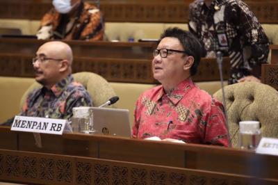 Libur Akhir Tahun Dikurangi, SKB Tiga Menteri Direvisi
