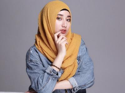 Gaya Hijab Tengku Syaira Anataya, Pemeran Anisa Tukang Ojek Pengkolan