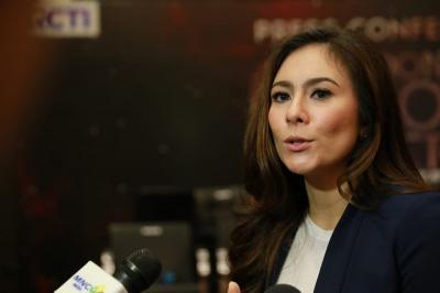 Hot Gosip: Hubungan Putri Wulan Guritno dan Attila Syach hingga Suami Vanessa Angel Minta Bantuan Yasonna Laoly