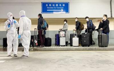 Wabah Corona Landa Shanghai, Ratusan Penerbangan Dibatalkan