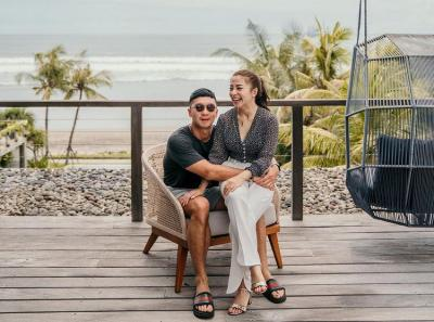 Potret Nikita Willy dan Indra Priawan Mini Honeymoon di Bali