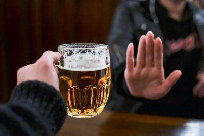 Umat Muslim Dilarang Minum Miras, Ternyata Pertaruhannya Kesehatan