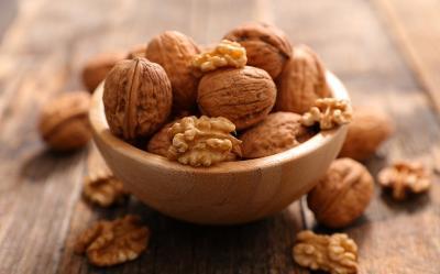 6 Manfaat Kacang Kenari, Salah Satunya Cegah Kanker Payudara